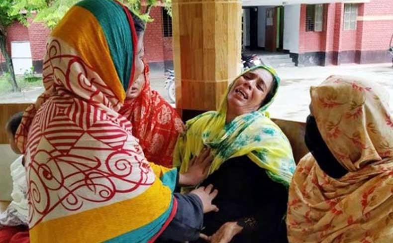 মাদরাসাছাত্রীর বিবস্ত্র মরদেহ ঝুলিয়ে রাখল ধর্ষকরা