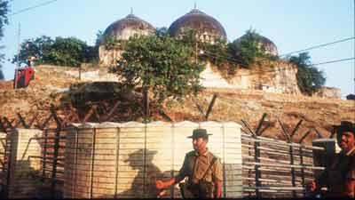 বাবরি মসজিদ ৫০০ বছরের পুরনো, বিরোধ শত বছরের