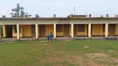 ৩৬ স্কুলে দপ্তরি কাম সিকিউরিটি পদে নিয়োগ স্থগিত