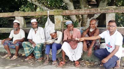 রোহিঙ্গা সহায়তায় এগিয়ে এলেন ৭ প্রতিবন্ধি ভিক্ষুক