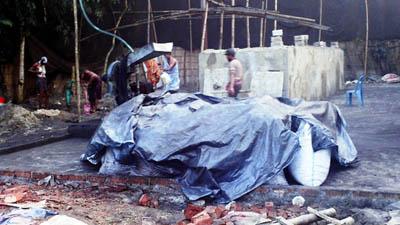 লোকালয়ে কার্বন পাউডার মিল, হুমকিতে জনস্বাস্থ্য