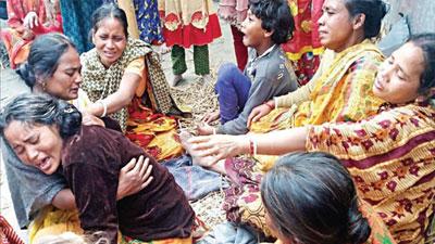 সিকদার মেডিক্যালের পেছনে ৩ শ্রমিকের অকাল মৃত্যু