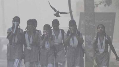 নিঃশাস নিলেই বিষের জ্বালা, দিল্লির সব স্কুল বন্ধ