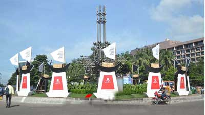 শেখ হাসিনাকে গণসংবর্ধনা, বর্ণিল সাজে ঢাকা