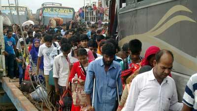 ঢাকা-চট্টগ্রাম সড়কে যানজট, মাওয়ার পথ ফাঁকা