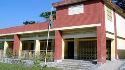 কাশিয়ানীর ৯০ ভাগ স্কুলে নেই শহীদ মিনার