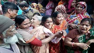 শ্মশানে মুদি ব্যবসায়ীর গলাকাটা লাশ