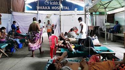 রোগীদের উপচে পড়া ভিড় আইসিডিডিআরবিতে, তাঁবুতে চিকিৎসা