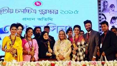 'জাতীয় চলচ্চিত্র পুরস্কারে কেউ প্রভাব খাটাতে আসবেন না'