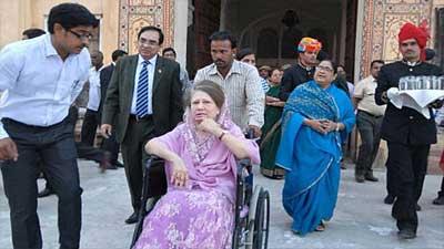 নাইকো মামলায় হাজিরা দিতে আদালতে খালেদা জিয়া