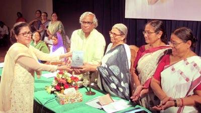 সুফিয়া কামাল সম্মাননায় ভূষিত সানজিদা-কৃঞ্চারা