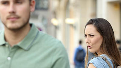 যে পুরুষদের প্রতি নারীরা বেশি আকৃষ্ট হয় জেনে নিন
