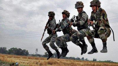 অস্ত্রশস্ত্র কিনছে ভারতের সেনাবাহিনী