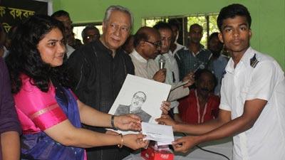 শোক দিবস উপলক্ষে মুন্সিগঞ্জে চিত্রাঙ্কন প্রতিযোগিতা