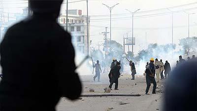 বিক্ষোভ ঠেকাতে পাকিস্তানে সেনাবাহিনী তলব