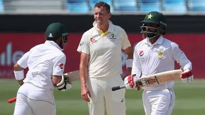 আবুধাবি টেস্টে চালকের আসনে পাকিস্তান