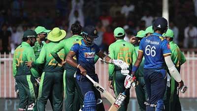 সিরিজ ৪-০ করে ফেলল পাকিস্তান