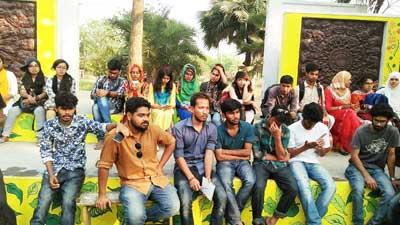 রাবির চারুকলা শিক্ষার্থীদের বৈশাখ উৎসব বর্জনের ঘোষণা