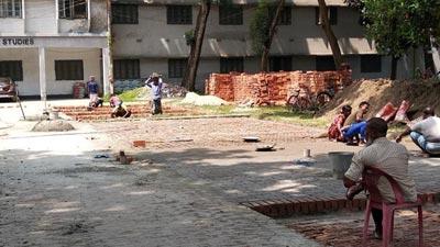 রাবিতে নির্মাণ হচ্ছে দেড় শতাধিক পার্কিং স্পেস