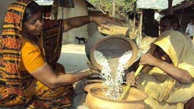 রূপগঞ্জে এখন মুড়ি ভাজার ধুম