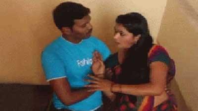 'গ্রুপ সেক্স' করতে দিলেই  কাছে আসতে পারবে স্বামী!