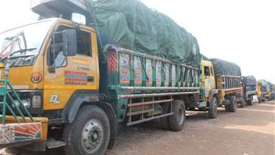 শিমুলিয়া-কাঠালবাড়ি: পারাপারের অপেক্ষায় ৪ শতাধিক যানবাহন