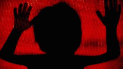 স্কুলছাত্রীকে ধর্ষণের অপরাধে ধর্ষক আটক
