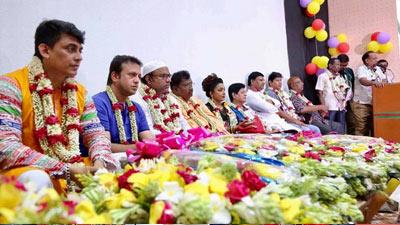 'শিল্পী সমিতির নির্বাচন জাস্ট ফুলের মালা বদল'