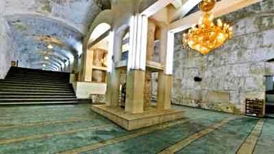 হযরত সুলায়মান (আ.)-এর সমাধি ও জিনদের তৈরি পিলার