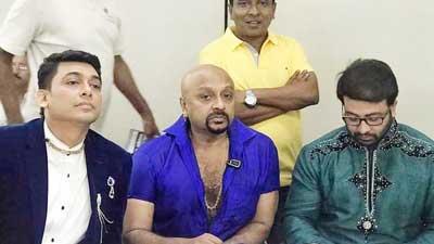 চলচ্চিত্র শিল্পকে বাঁচাতে একমঞ্চে শাকিব-জায়েদ-রুবেল