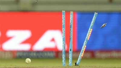 আন্তর্জাতিক টি-টোয়েন্টিতে ১৪ রানে অলআউট!