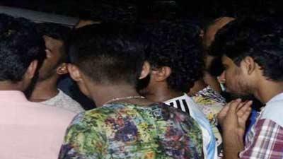 রাজধানীতে ছুরিকাঘাতে আহত ৮