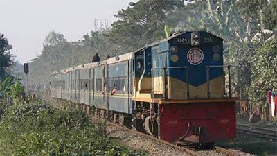 ঢাকা সঙ্গে উত্তর-দক্ষিণের রেল যোগাযোগ বিচ্ছিন্ন